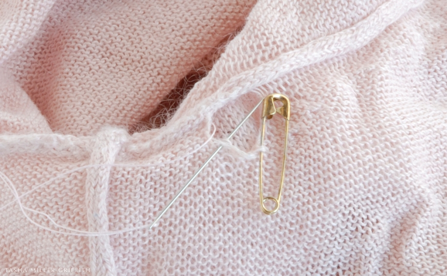 Knitting Stitches Holes : How to Fix a Small Hole in a Knit   Glorious Mending Stale Bread into Frenc...