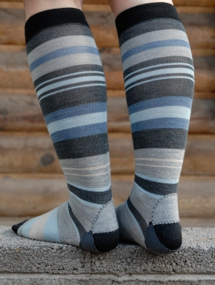 fixing blue stripe socks 3