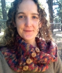T with simple knit cowl